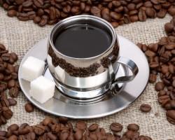 За да се предпазите от инфаркт заменете сутрешното кафе с чай