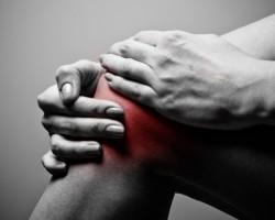 Лек при натъртване и вода в коляното