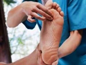 Този народен лек при шипове на краката ще ви избави от силната болка